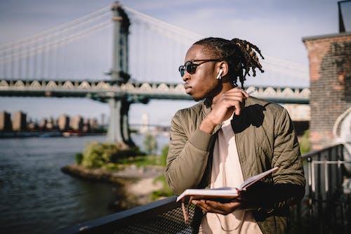 Gratis stockfoto met aanschouwen, Afro-Amerikaans, agenda, apparaat