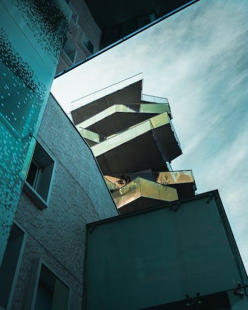 Free stock photo of architecture, architecture moderne, ciel bleu