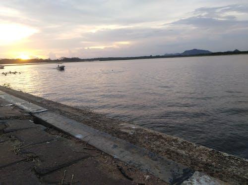 Immagine gratuita di alba, barca, bellissimo, cielo