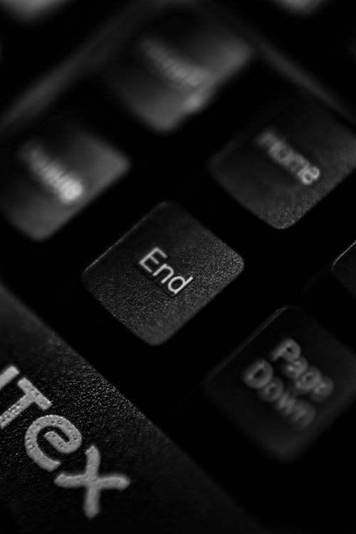 Gratis lagerfoto af bærbar computer, elektronik, ende, knap