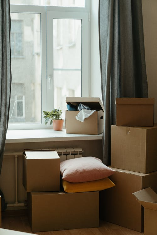 Kostenloses Stock Foto zu besitz, box, drinnen