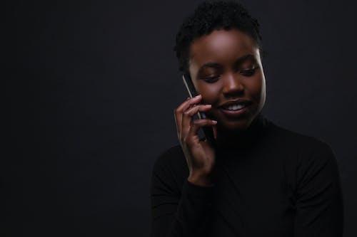 Kostnadsfri bild av 20-25 år gammal kvinna, affärskvinna, afrikansk amerikan kvinna, afroamerikanska kvinnor