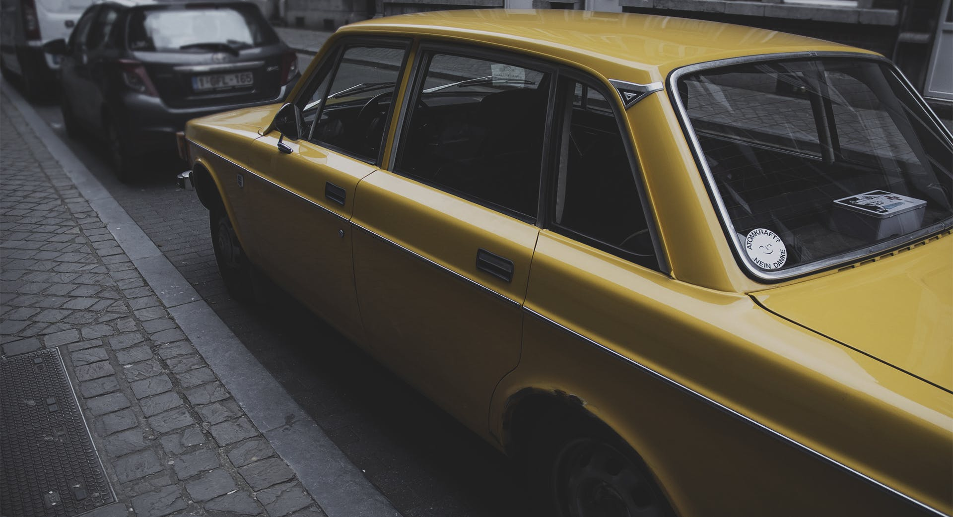 Free stock photo of car, old car, volvo, yellow car