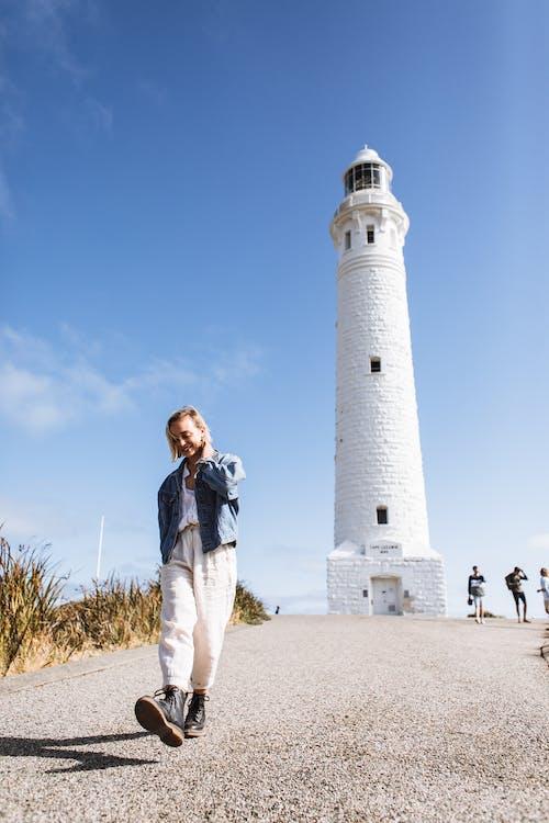 低頭看, 假期, 全身, 塔 的 免費圖庫相片