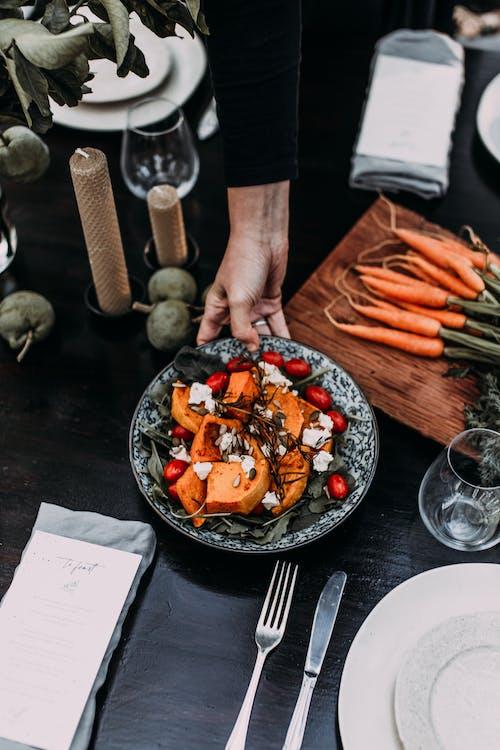 Foto profissional grátis de álcool, alimento, almoço, anônimo