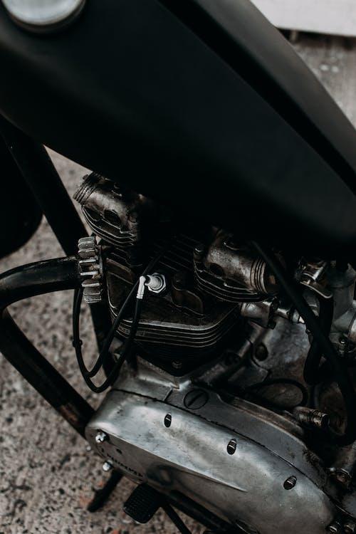 Motorbike engine and fuel tank on street