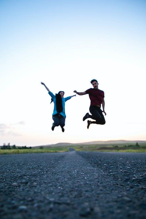 Immagine gratuita di saltando