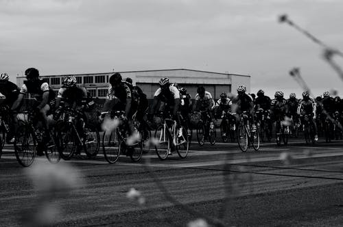 Бесплатное стоковое фото с велоспорт, гонка, дорога, красочный