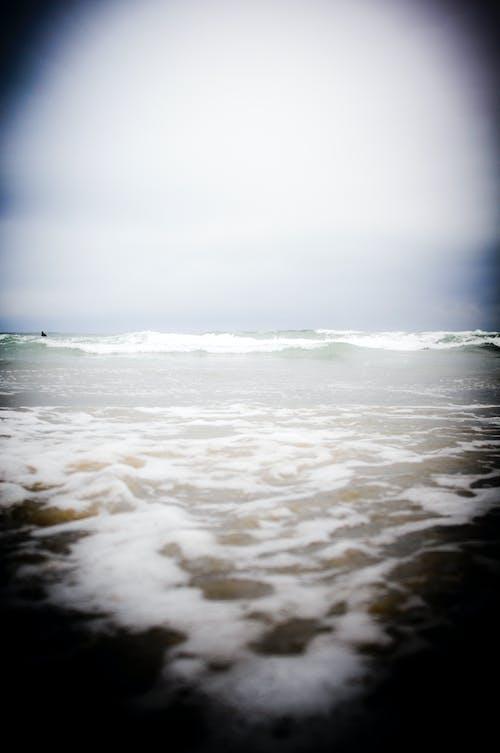 Бесплатное стоковое фото с веселье, вода, небо, облака