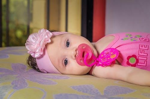 Foto d'estoc gratuïta de amor, bebè, bonic, bufó