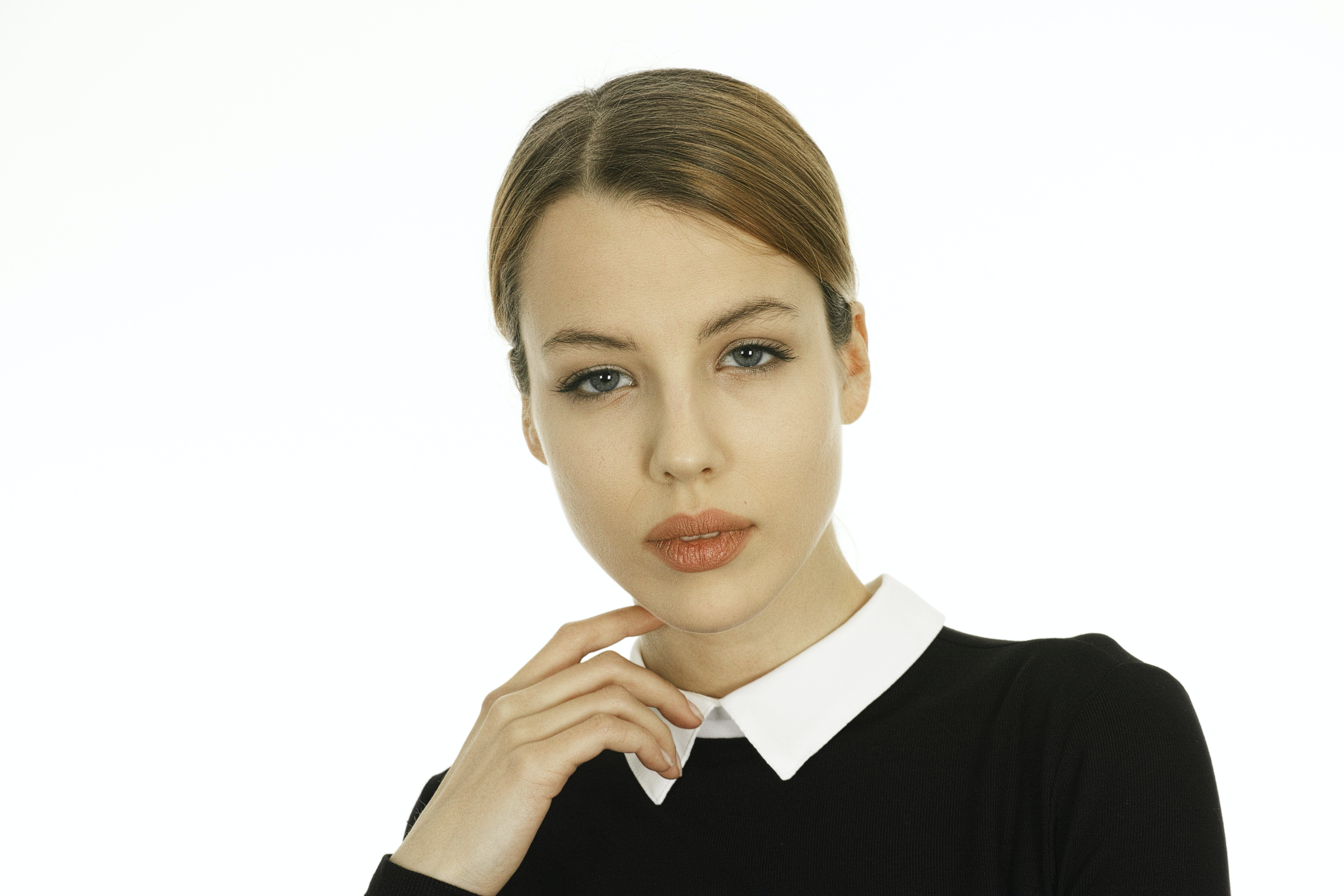 Woman Wearing White and Black Collared Shirt