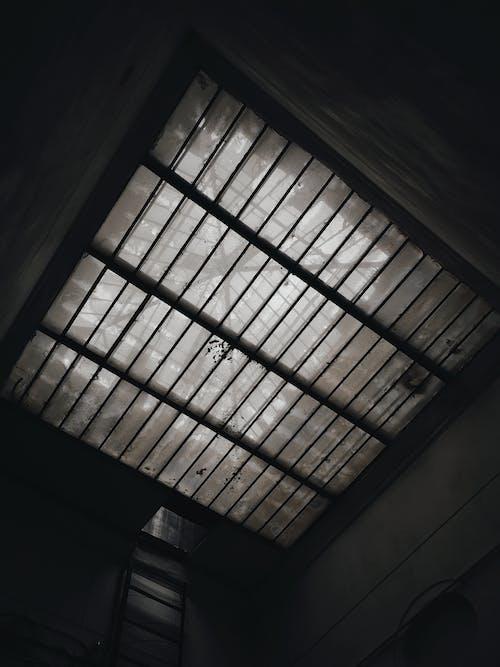 Kostnadsfri bild av äldre, atrium, bw