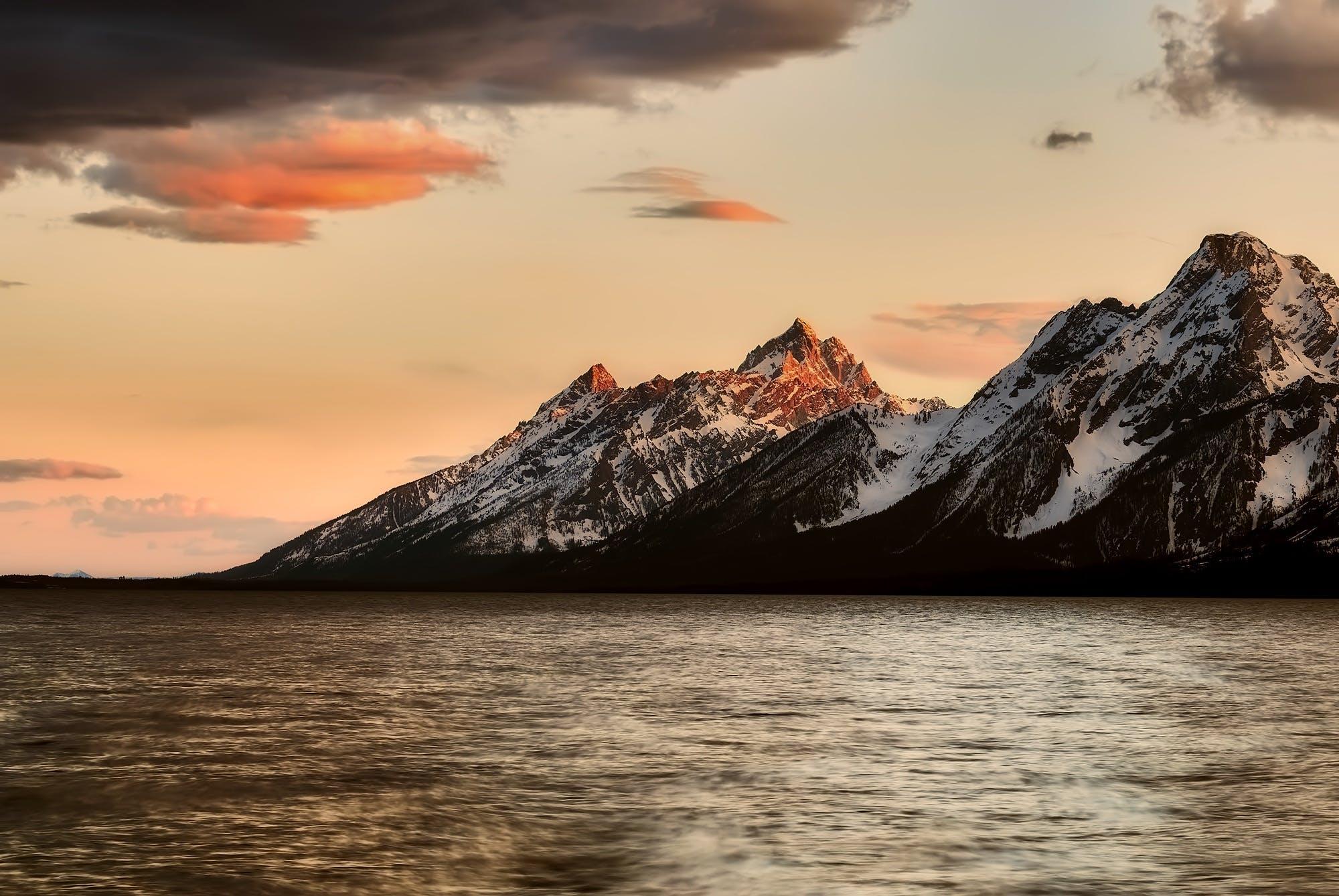 Kostenloses Stock Foto zu schnee, meer, landschaft, berge