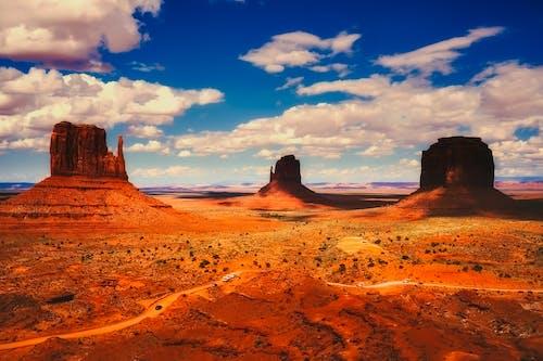 Foto d'estoc gratuïta de barranc, cel, desert, llum del dia