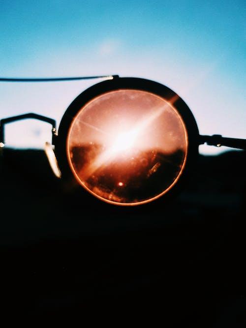 Gratis stockfoto met brillen, cameralens, donker, duister