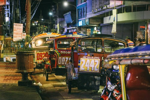 Immagine gratuita di auto, autobus, azione, città