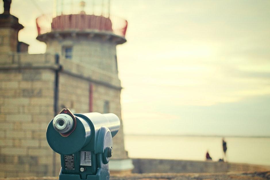 attraction, binoculars, tourists