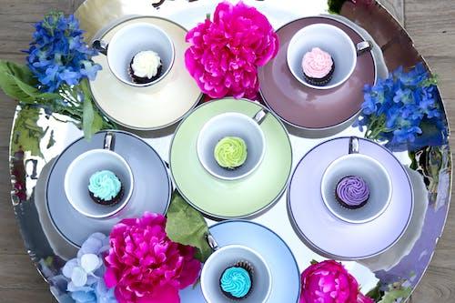 Imagine de stoc gratuită din alb, brioșe, cană de cafea, floră