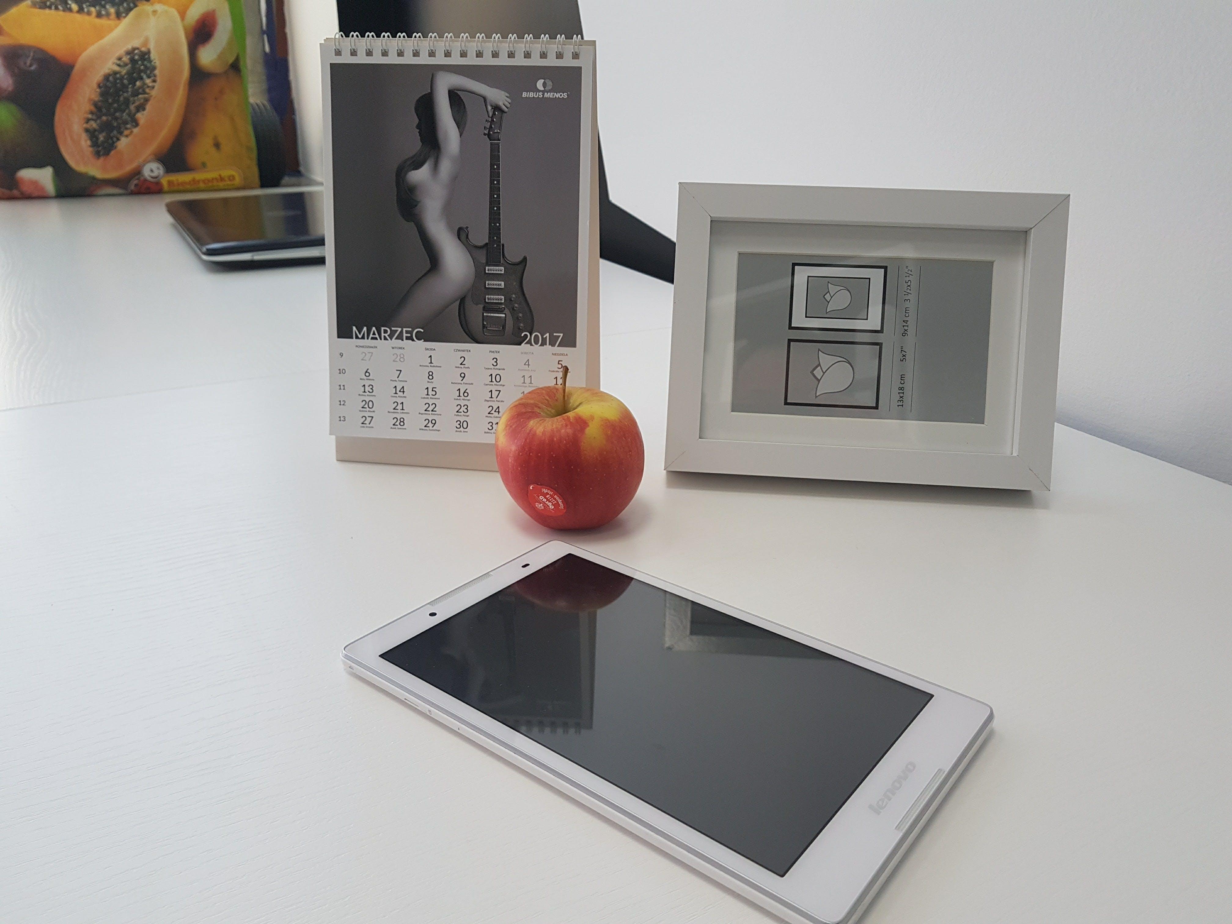 apple, calendar, cellphone