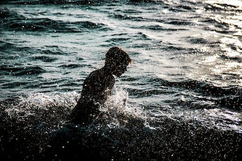 คลังภาพถ่ายฟรี ของ กระเพื่อม, การพักผ่อนหย่อนใจ, คน, ชายหาด