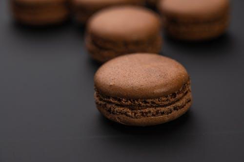 Immagine gratuita di angolo alto, appetitoso, biscotto, cacao