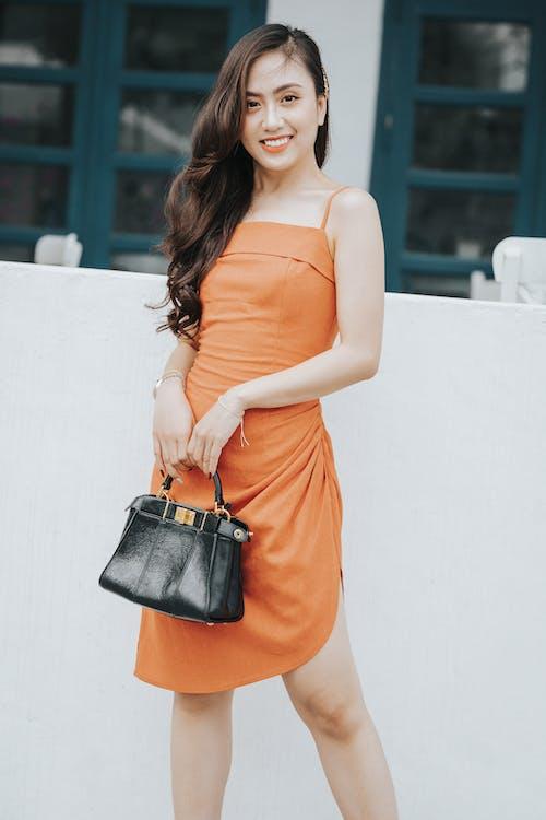 Бесплатное стоковое фото с азиатка, аксессуар, апельсин