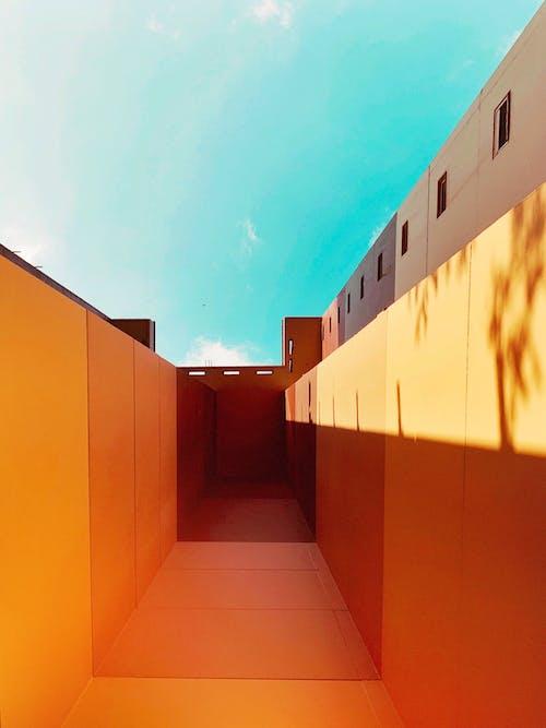 Kostnadsfri bild av arkitektur, byggnad, dörr, familj