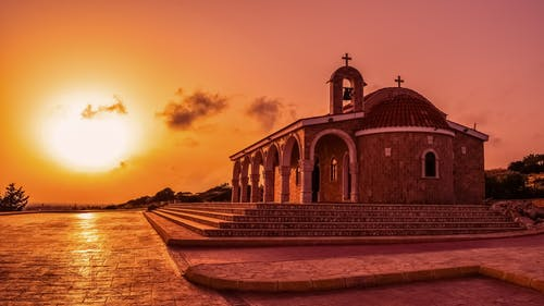 Gratis lagerfoto af himmel, Kapel, kirke, morgengry