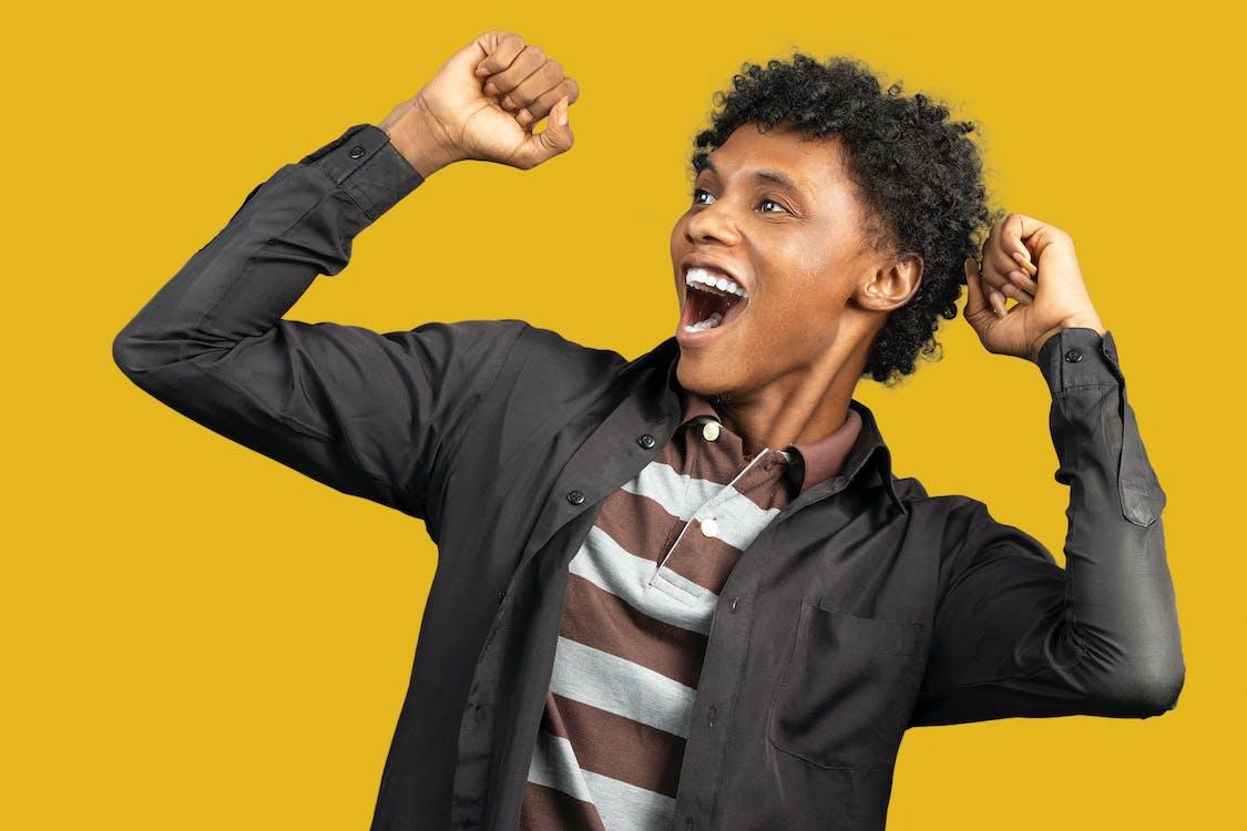 Darmowe zdjęcie z galerii z afroamerykanin, chłodny, cieszyć