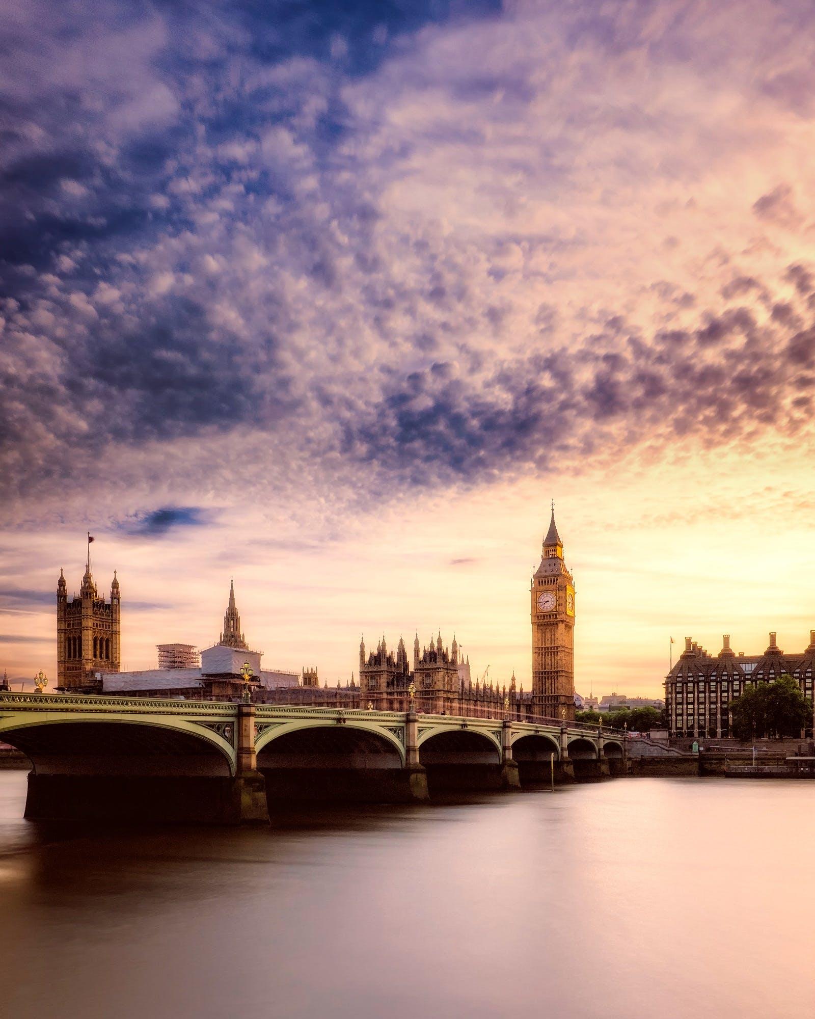 고딕 스타일, 구름, 다리, 도시의 무료 스톡 사진