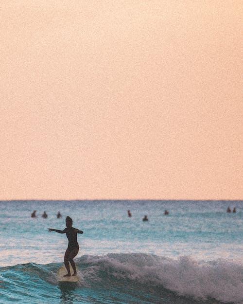 Бесплатное стоковое фото с oahu, вид на закат, гавайи, девочка