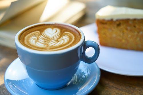 Fotos de stock gratuitas de arte latte, azul, café, café con leche