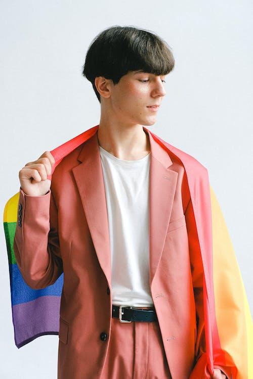 Darmowe zdjęcie z galerii z flaga dumy gejowskiej, flaga lgbt, garnitur, gej