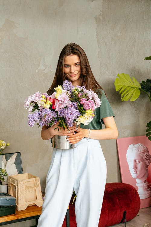 Gratis arkivbilde med blomster, blomsterarrangement, blomstre