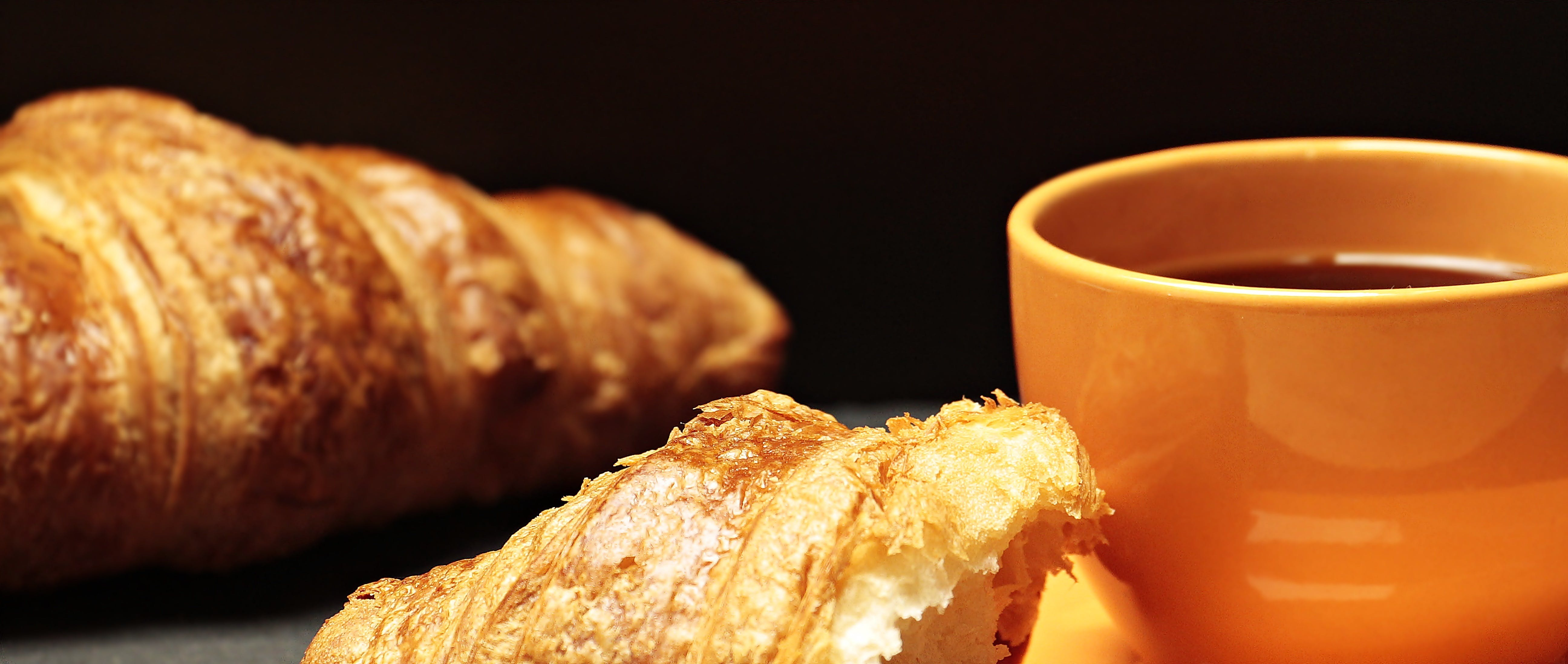 Kostenloses Stock Foto zu brot, croissant, essen, frühstück