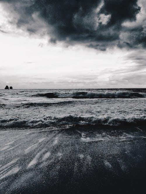 Ilmainen kuvapankkikuva tunnisteilla aalto, bw, energia