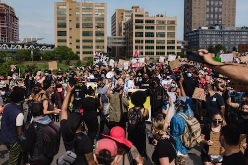 Photos gratuites de activisme, activistes, blm, enseigne