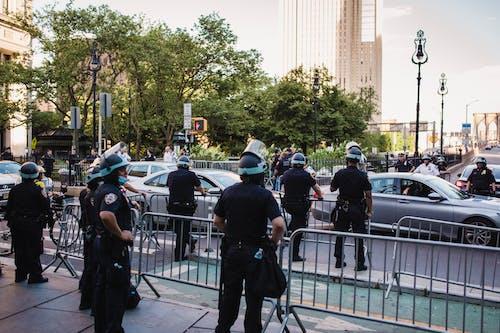 Polizia In Una Strada