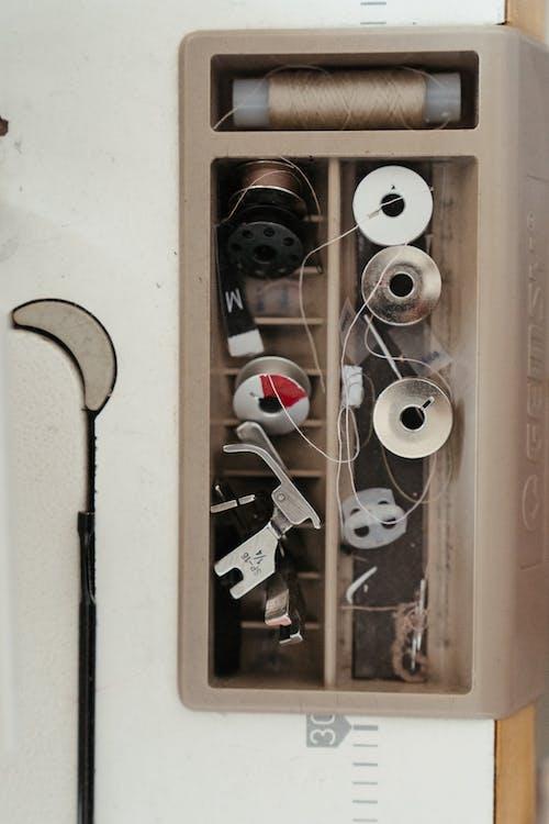 Základová fotografie zdarma na téma cívka nitě, cívka nití, detail, krabice