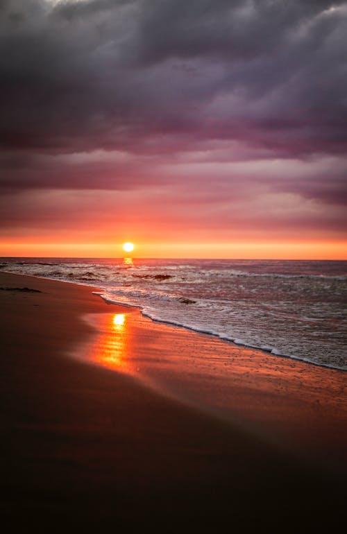 Darmowe zdjęcie z galerii z dramatyczny, lato, morze, na dworze