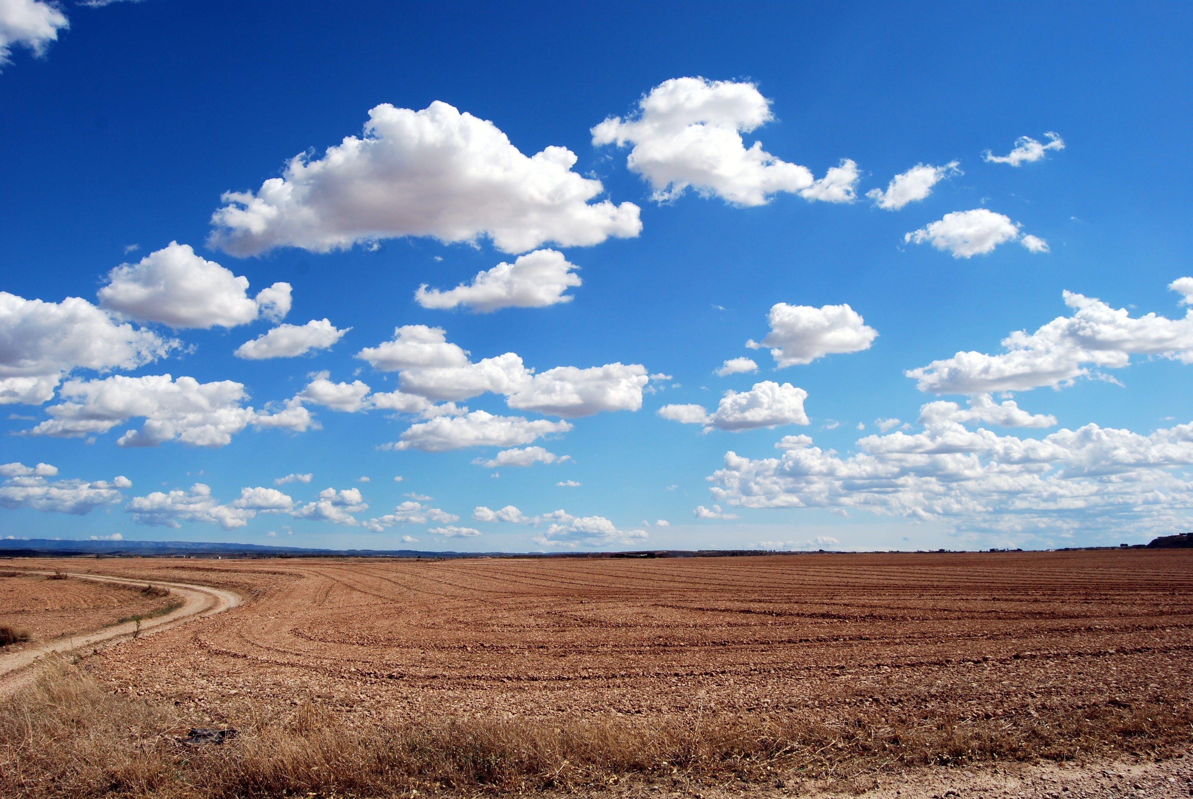 Kostenloses Stock Foto zu straße, landschaft, himmel, sonnig