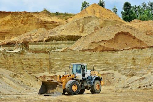 Ilmainen kuvapankkikuva tunnisteilla ajoneuvo, avolouhos, hiekka, jauhettu