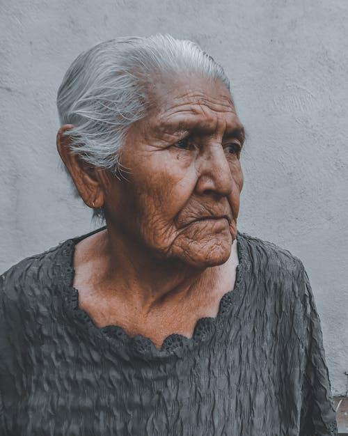 Kostnadsfri bild av äldre, allvarlig, dagsljus, depression