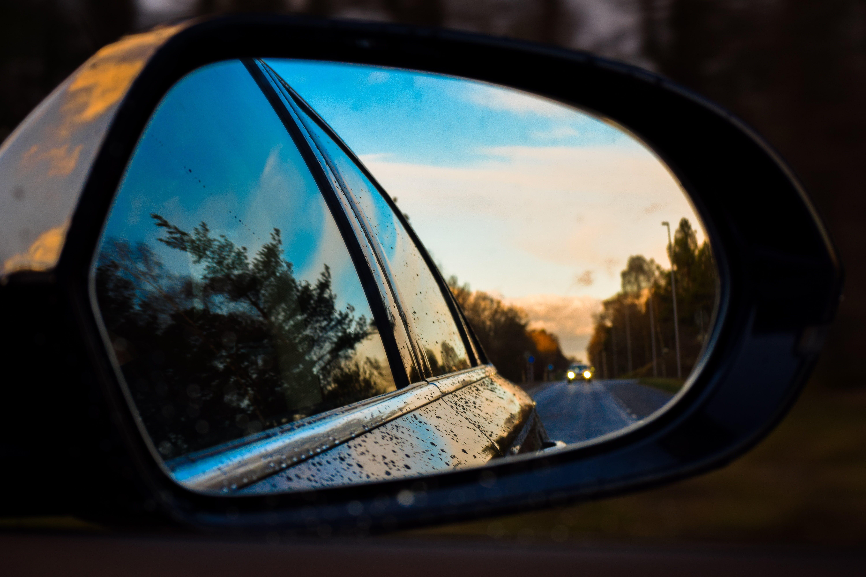 Kostenloses Stock Foto zu autobahn, autos, bäume, beleuchtung