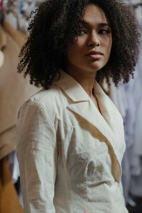 Fotos de stock gratuitas de afro, boutique, diseñando, disfraz