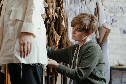 Fotos de stock gratuitas de alcantarilla, costurera, diseñando, disfraz