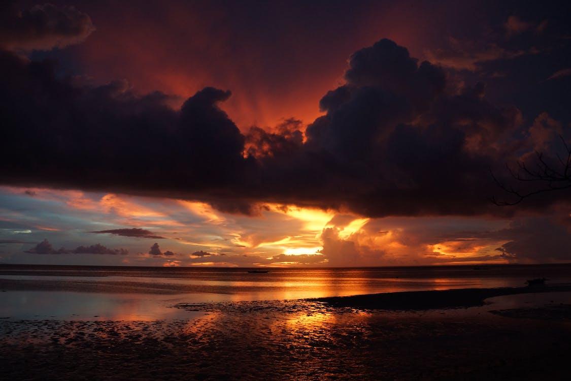 à contre-jour, aube, bord de mer