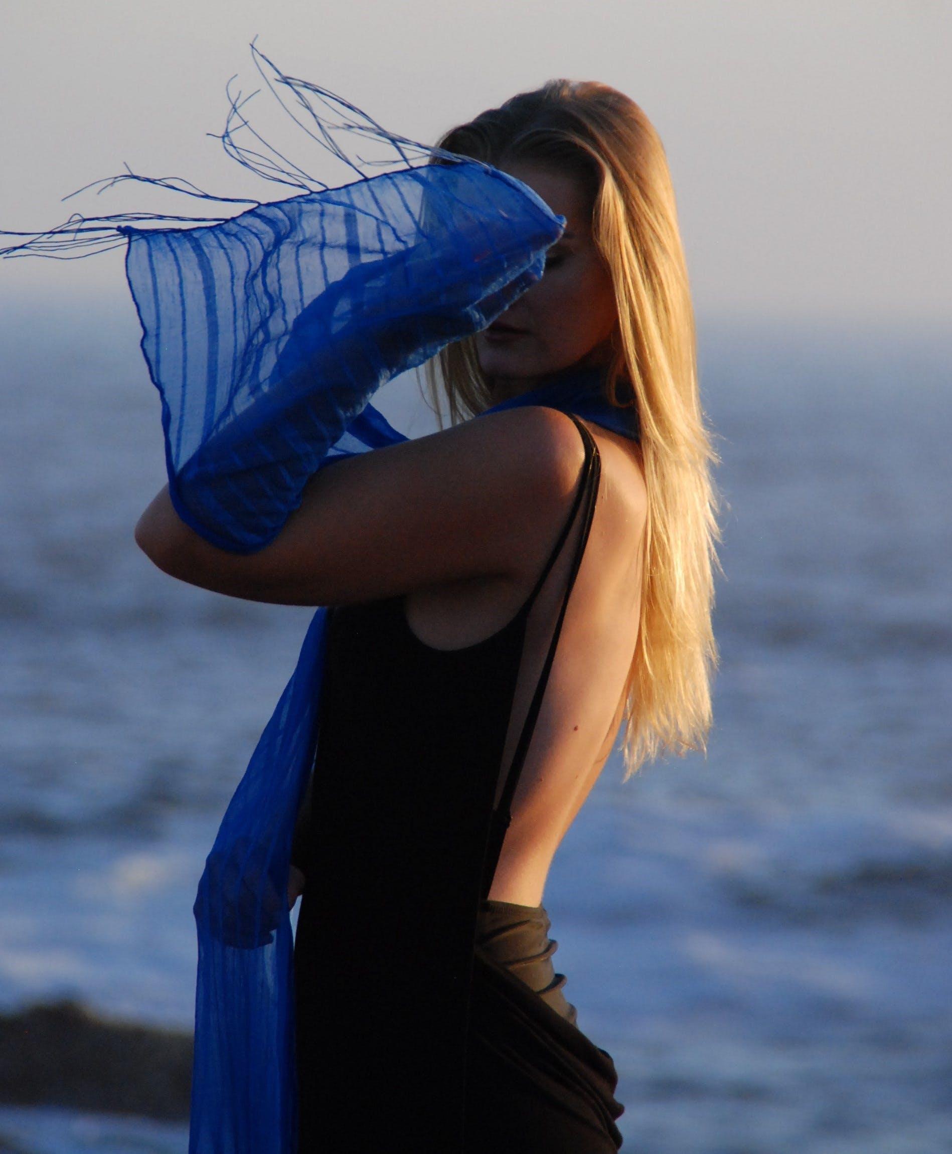 beach, blonde, close -up