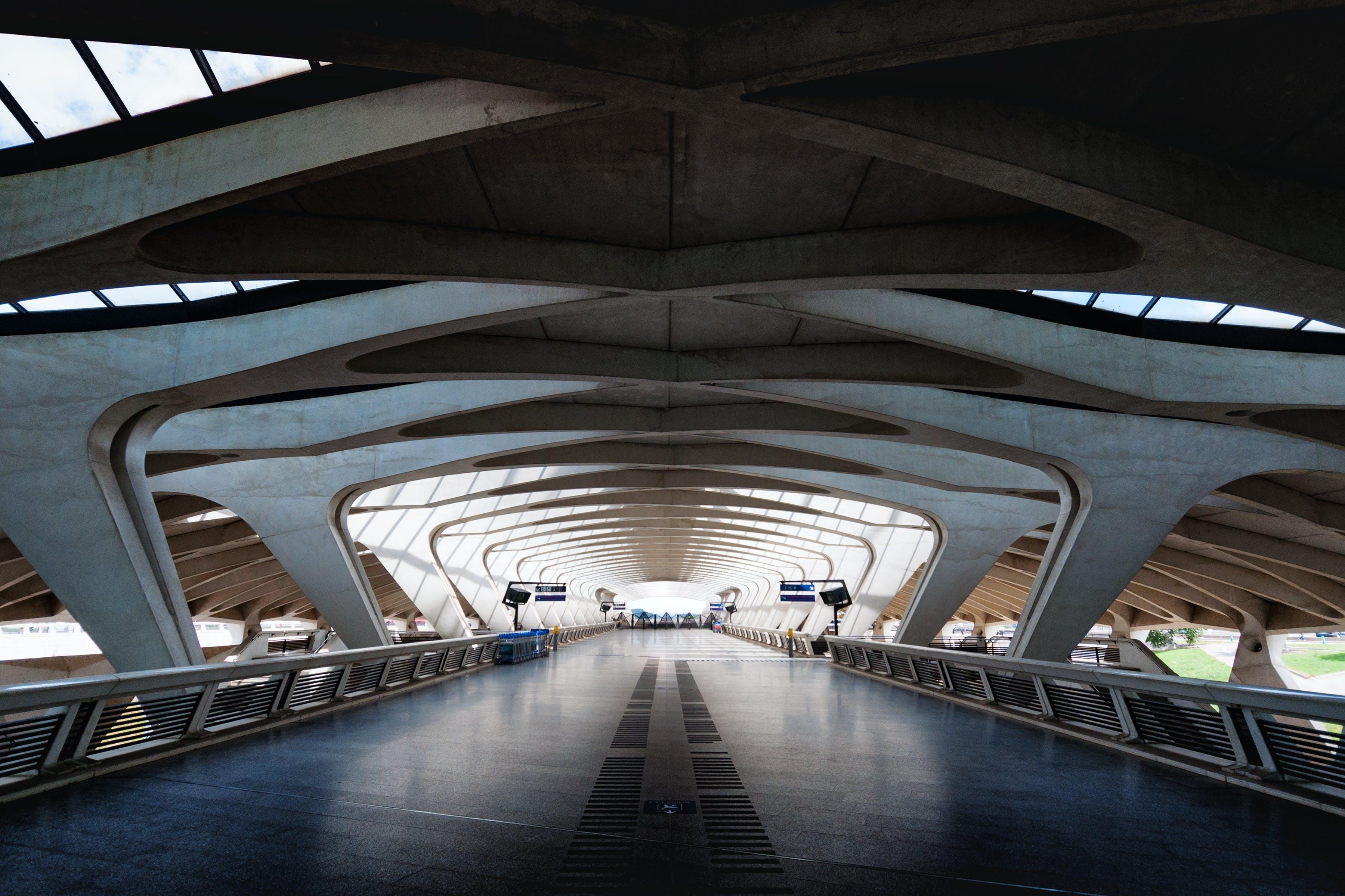 Kostnadsfri bild av arkitektonisk design, bro, ljus, metall