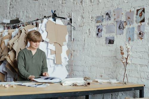 Kostenloses Stock Foto zu atelier, bekleidungsfabrik, dekoration